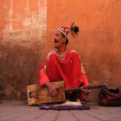 Марокко уличный музыкант