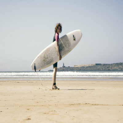 доска серфер марокко