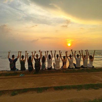Закат на пляже серфинг Шри Ланка