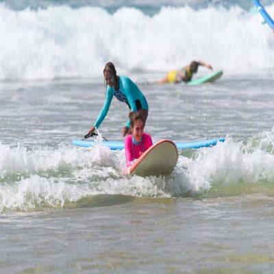 Процесс обучения серфинг Шри Ланка