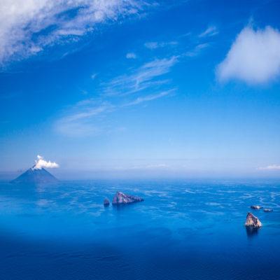 Стромболи — вулкан, расположенный на одноименном острове