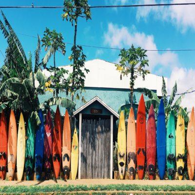Самый популярный вид спорта на острове - серфинг