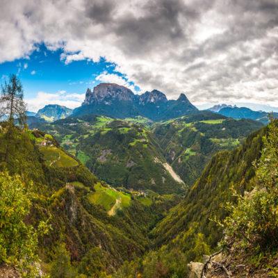 Вид на долину в Альпах