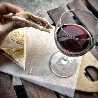 Пьядина с вином Тироль Италия