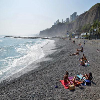 Свободное время на пляже Лимы