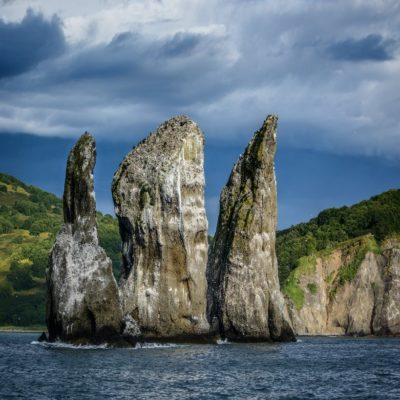 Скалы «Три брата» Петропавловск-Камчатский Камчатка Россия