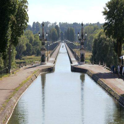 Бриарский канал Долина Луары Франция