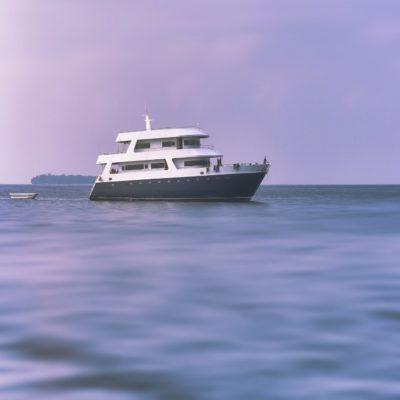 Наша яхта Мальдивы