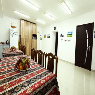 Столовая в хостеле Армения