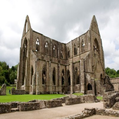 Тинтернское аббатство Уэльс Великобритания