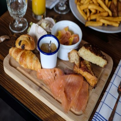 Французский завтрак Нормандия Франция