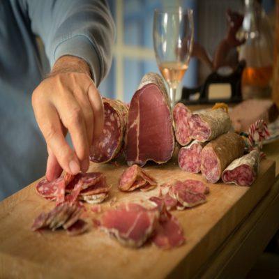 Вино и колбаски Франция Яхтинг