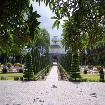 Военное кладбище в Дьенбьенфу Вьетнам