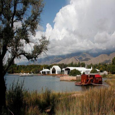 Культурный центр Рух Ордо в Чолпон-Ате Иссык-Куль Кыргызстан