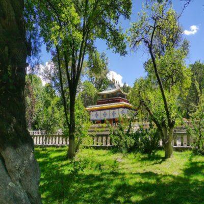 Парк Норбулинка Тибет