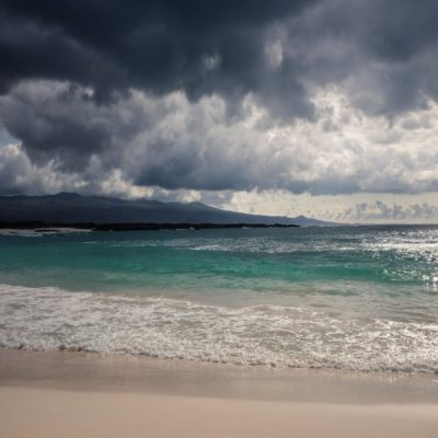 Пляж на Галапагосских островах Эквадор