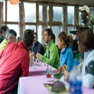 Кафе на маршруте Трекинг Непал