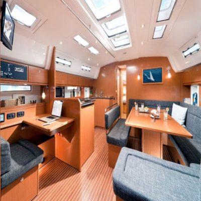 Кают компания BAVARIA 50 CRUISER яхта
