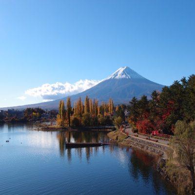 Озеро Кавагутико и вид на гору Фудзи Япония