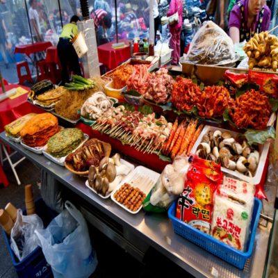 Уличная еда в районе Намдемун Сеул Корея