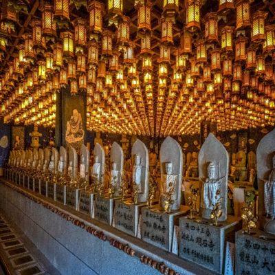 Храм Ицукусима на острове Миядзима Япония