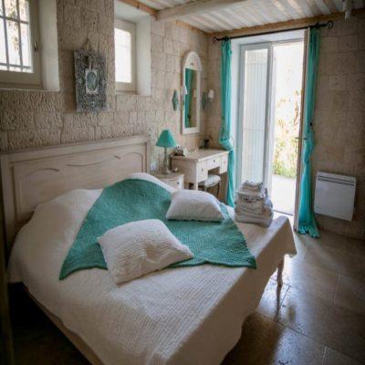 Двухместная комната с большой кроватью на вилле Прованс Франция