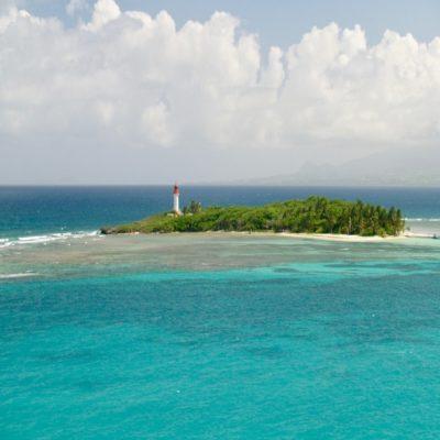 Маяк на острове Гозье Гваделупа
