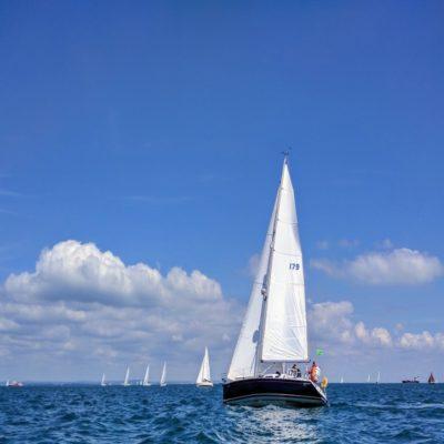Яхтинг у острова Уайт Великобритания