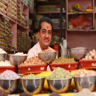 Торговец на рынке Керала Индия