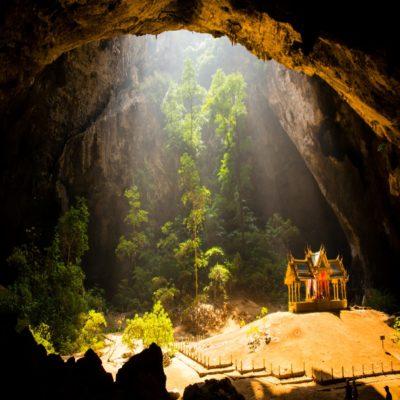 Пещера Прайя Накхон в парке Сам Рой Йот Таиланд
