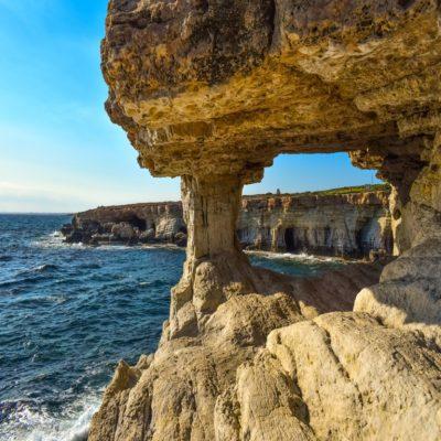 Морские пещеры на Мысе Греко Кипр