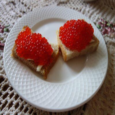 Бутерброд с камчатской икрой Петропавловск Камчатский Камчатка Россия