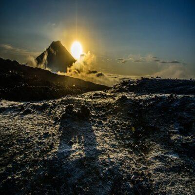 Вулкан Удина на рассвете Камчатка Россия