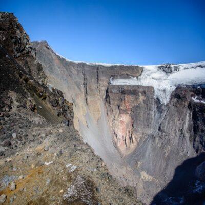 Кратер вулкана Плоский Толбачик Камчатка Россия