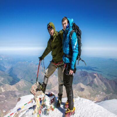 На вершине Эльбруса Россия