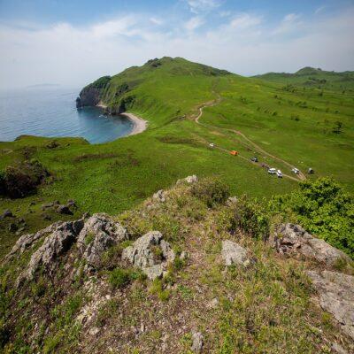 Скалистый берег Японского моря Россия