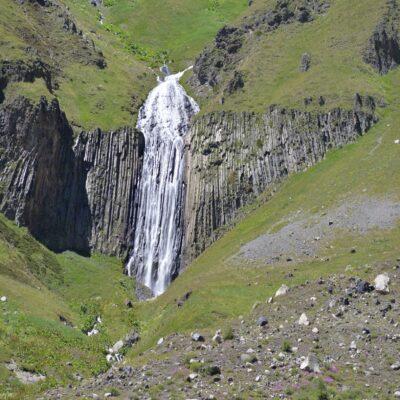 Терскольский водопад Эльбрус Россия
