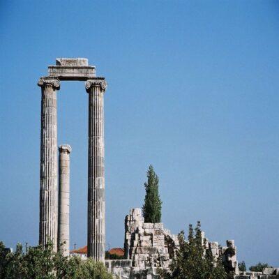 Руины храма Аполлона в Дидиме Турция