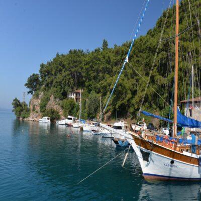 Яхты в Сёгюте Турция