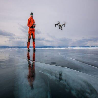 Посмотрим на лёд с необычных ракурсов