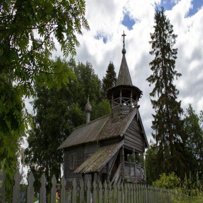 Часовня Петра и Павла в деревне Заозерье Веспы Ленинградская область Россия