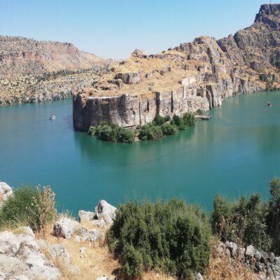 Крепость на берегу Евфрата в Биреджике Месопотамия Турция