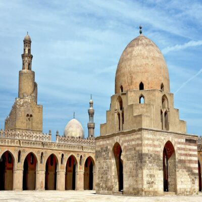 Мечеть Ибн Тулуна в Каире Египет