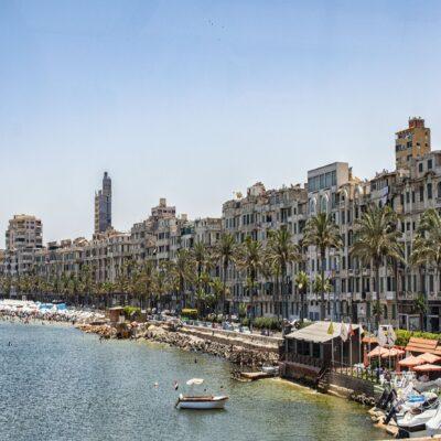 Набережная с променадом в Александрии Египет