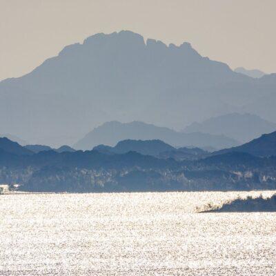 Озеро Насер Асуан Египет