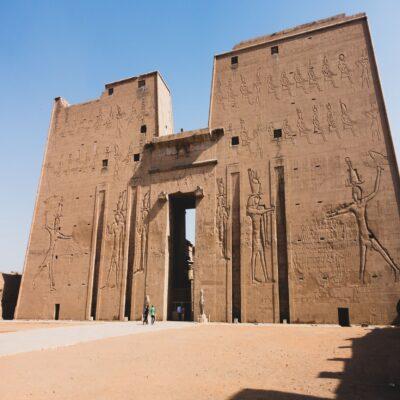 Храм бога Гора в Эдфу Египет