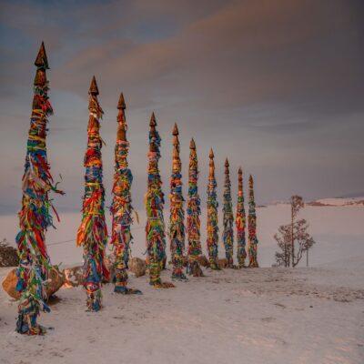 Тотемные столбы сэгрэ Мыс Бурхан (скала Шаманка) Байкал