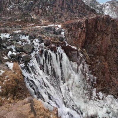 Замерзший водопад в Териберке Кольский полуостров Мурманская область