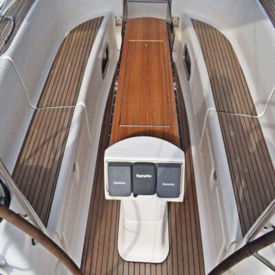 Палуба Яхта Bavaria 50