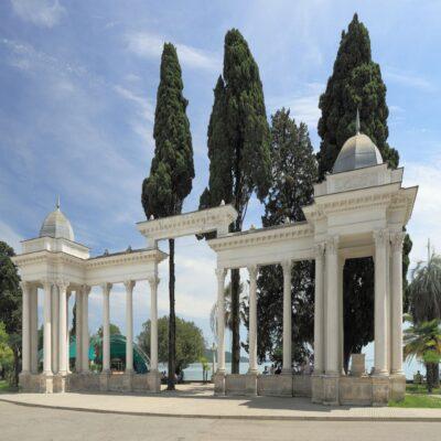 Колоннада на набережной Сухума Абхазия
